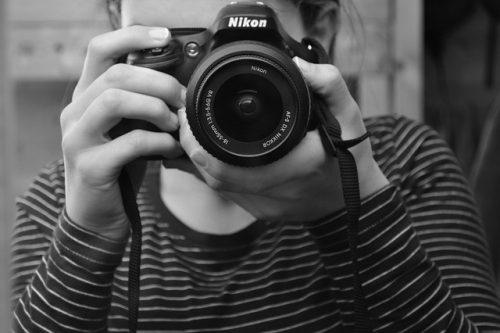 ¿Cómo puedo mejorar mis habilidades fotográficas?